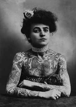 Maud-Wagner-circus-performer-aerialist-and-contortionist-and-tattoo-artist-1911-copie